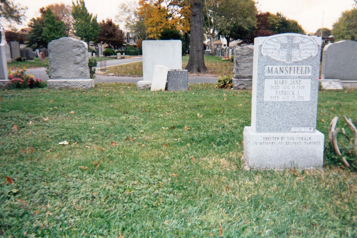 Unmarked grave of Giuseppe Lanzara at Holy Cross Cemetery